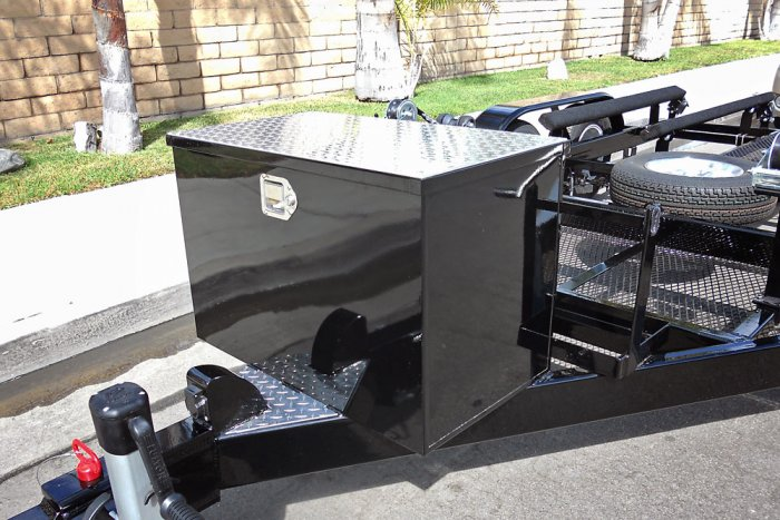 Polished Aluminum Diamond Plate Lid Trailer Option